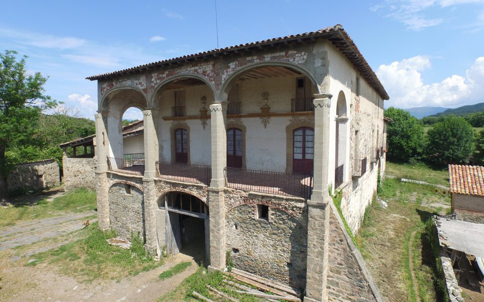 Finca rústica amb gran masia a Ripoll (Girona)