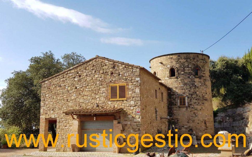 Finca rústica amb masia a Cànoves (Vallès Oriental)