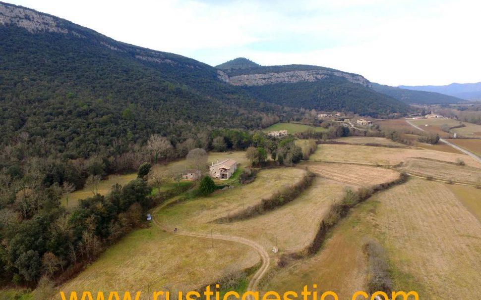 Finca rústica amb masia a Sant Martí de Llémena (Gironès)
