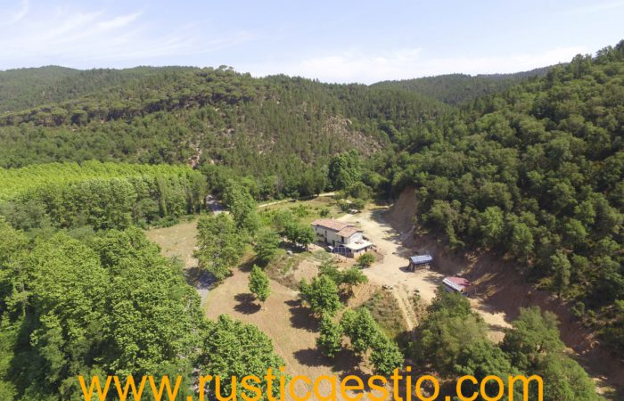 Finca rústica con masía en Massanes (Girona)