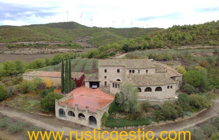Finca rústica amb masia a Igualada (Barcelona)