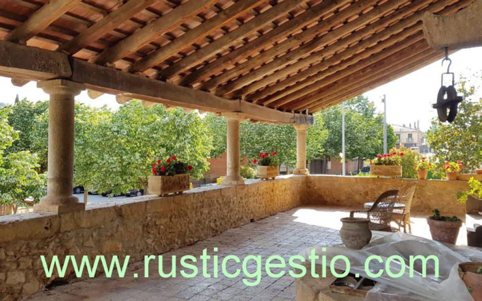 Finca rústica amb masia a Serinyà (Girona)