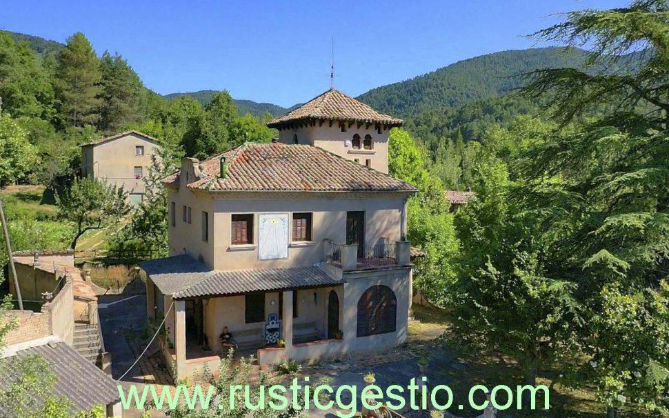 Finca rústica con torre en Borredà (Berguedà)