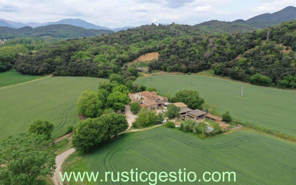 Finca rústica amb conreu i masies a Girona (Gironès)
